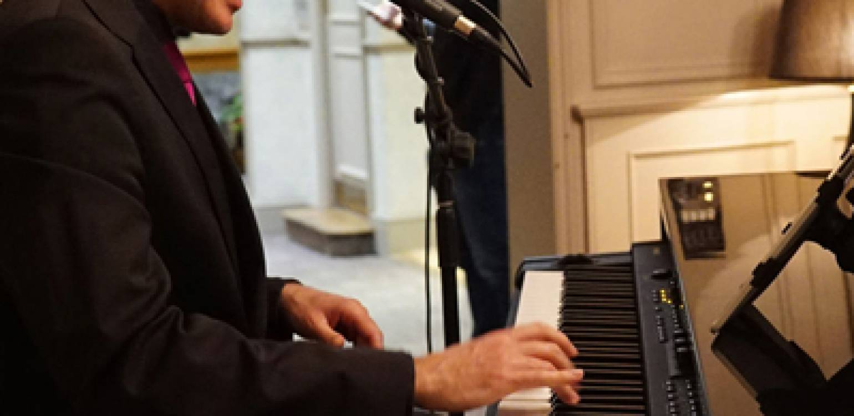 Piano Bar Night